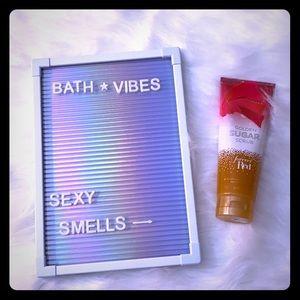 Golden sugar scrub forever read Bath And Body Work
